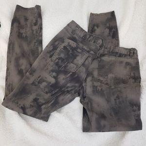 Rue 21 Brown camo splotchy tie dye skinny pants